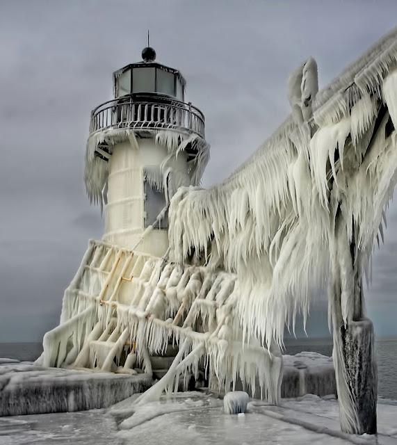 Faros congelados heladas invierno lago Michigan EE-UU