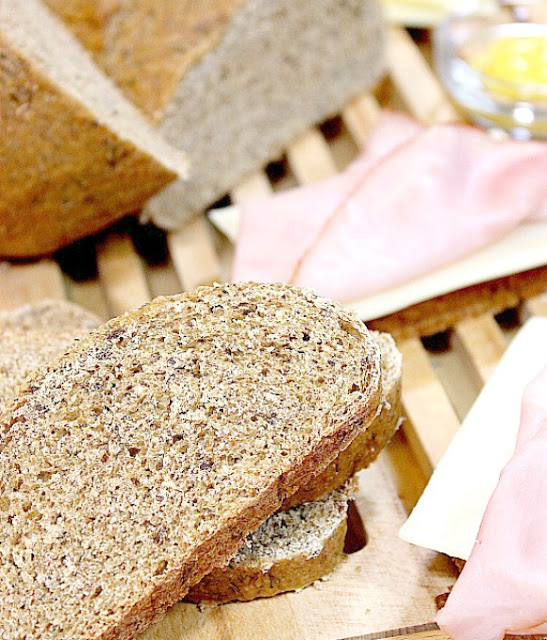 Homemade Rye Bread with Dill