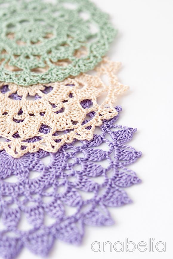 Shabby-chic crochet doily by Anabelia