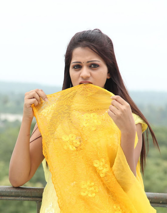 reshma from ee rojullo movie, reshma glamour  images
