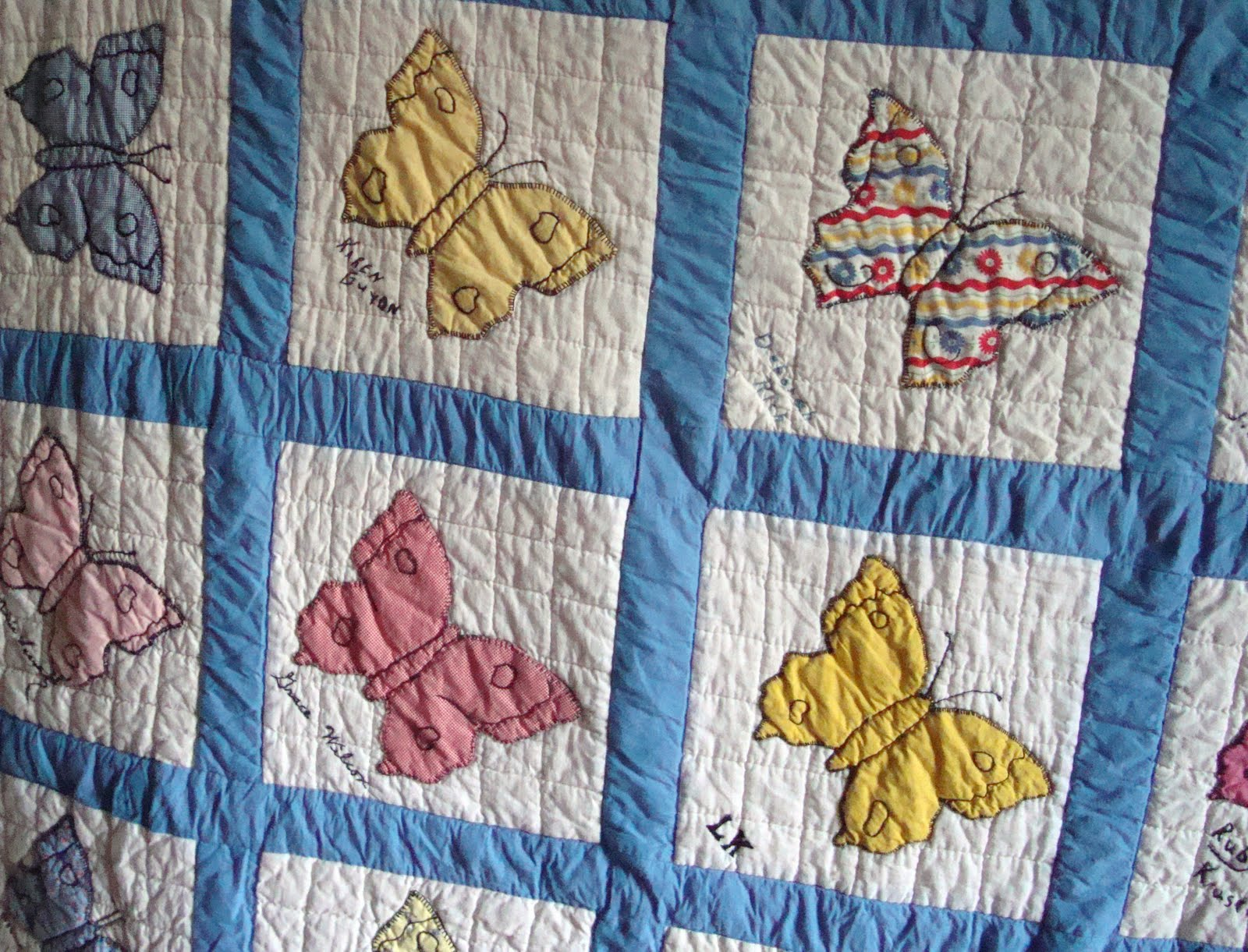 Vintage quilt freda 39 s hive for What to do with an old quilt