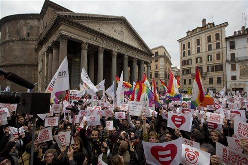 ITALIANS PROTEST FOR GAY RIGHTS ...
