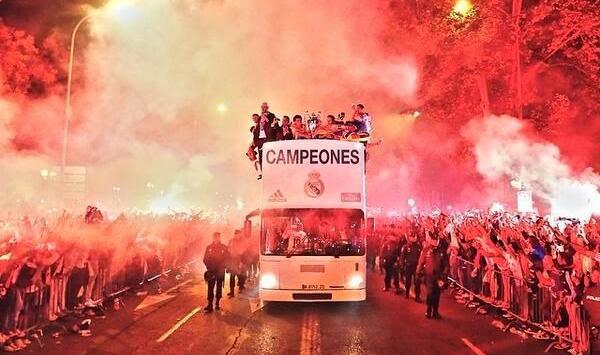 احتفالات ريال مدريد في السيبليس .. العاشرة تتحقق