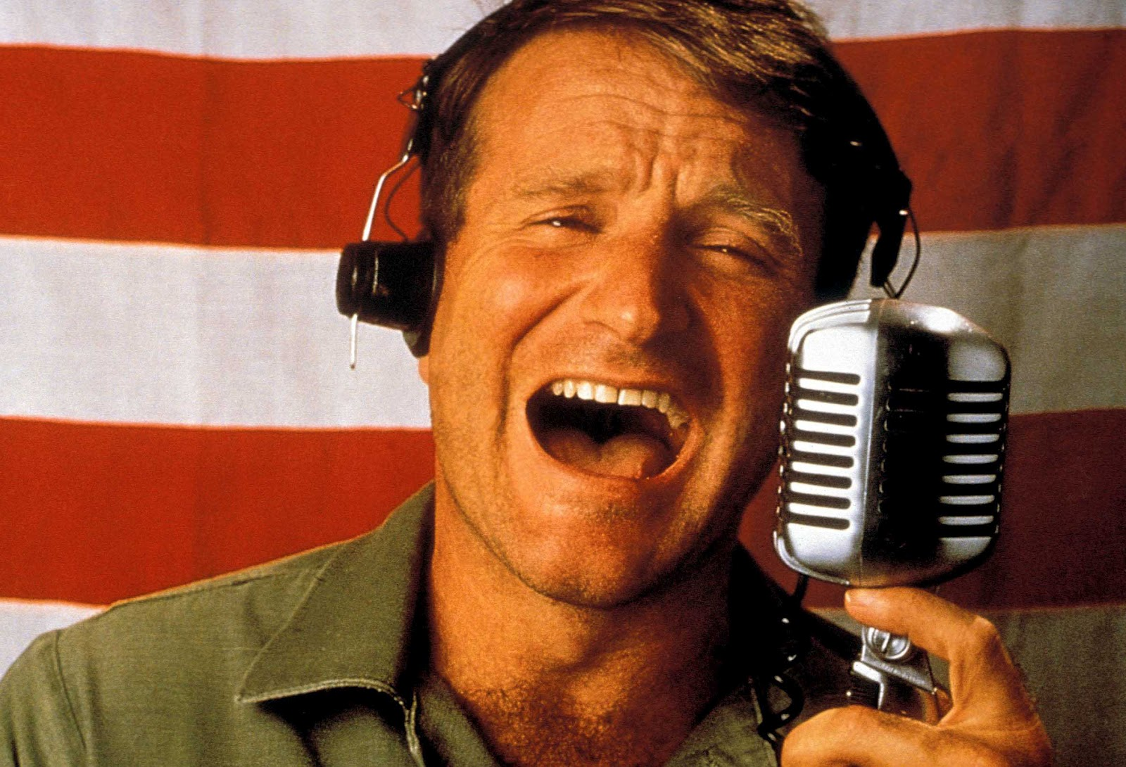 http://3.bp.blogspot.com/-ytSvAOyP5ic/T_mx7gUT-bI/AAAAAAAAA78/PrV4hWy0_gQ/s1600/Good-Morning-Vietnam-robin-williams-25340599-2348-1599.jpg