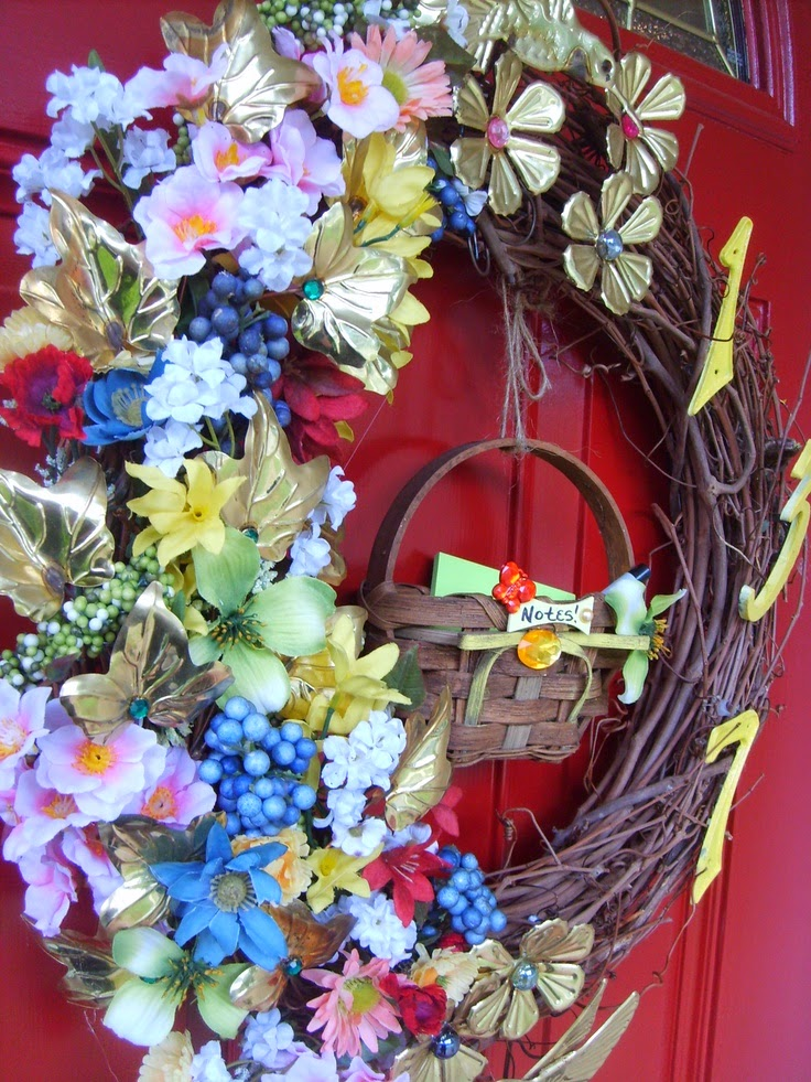 Wreath Craft: using outdated metal wall decor