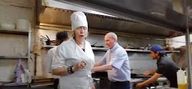 Marisa Castro aprende a preparar anchoas a la bilbaina en Gaztemanu