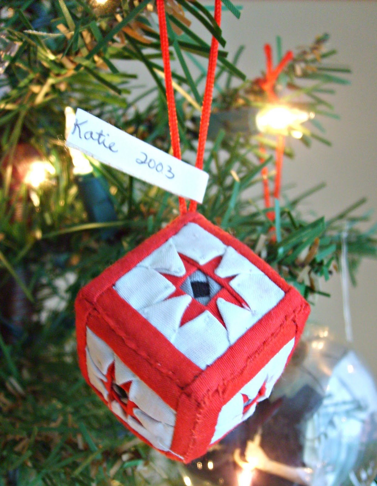 the red kitchen: Christmas Ornaments: 1 Each Year For A Full And ...