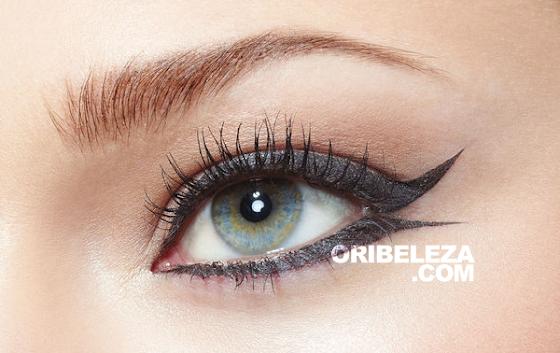 Efeito do Eyeliner em Caneta The ONE da Oriflame