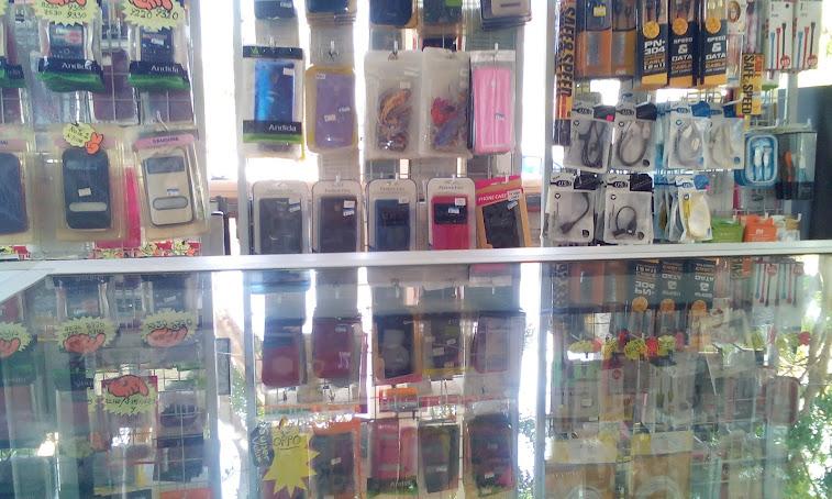 Menjual Aksesori Handphone Nokia,Samsung,Blakberry dan Sony