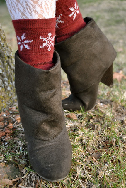 Flashback Summer: Easy Dress- boots, lace tights, and wool socks