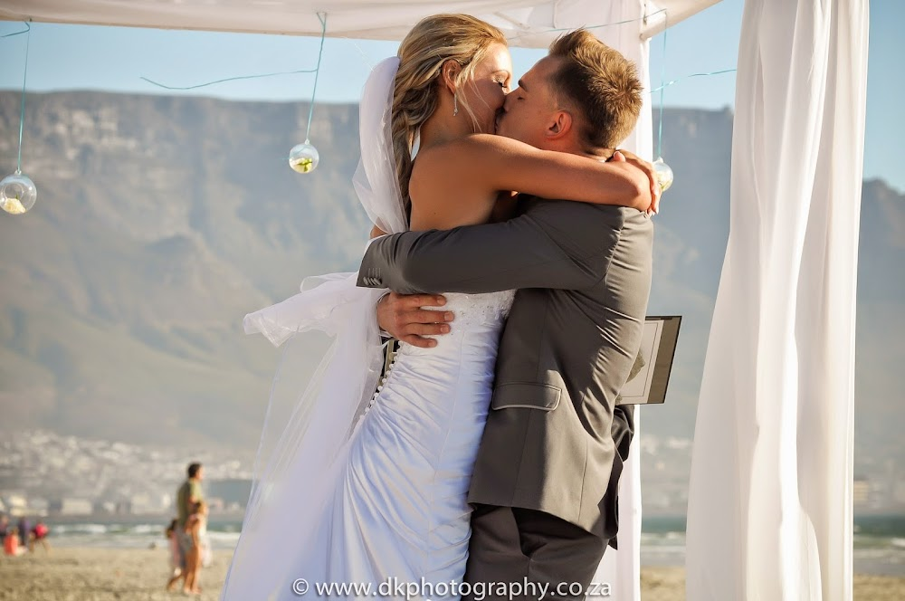 DK Photography _DSC6703 Wynand & Megan's Wedding in Lagoon Beach Hotel  Cape Town Wedding photographer