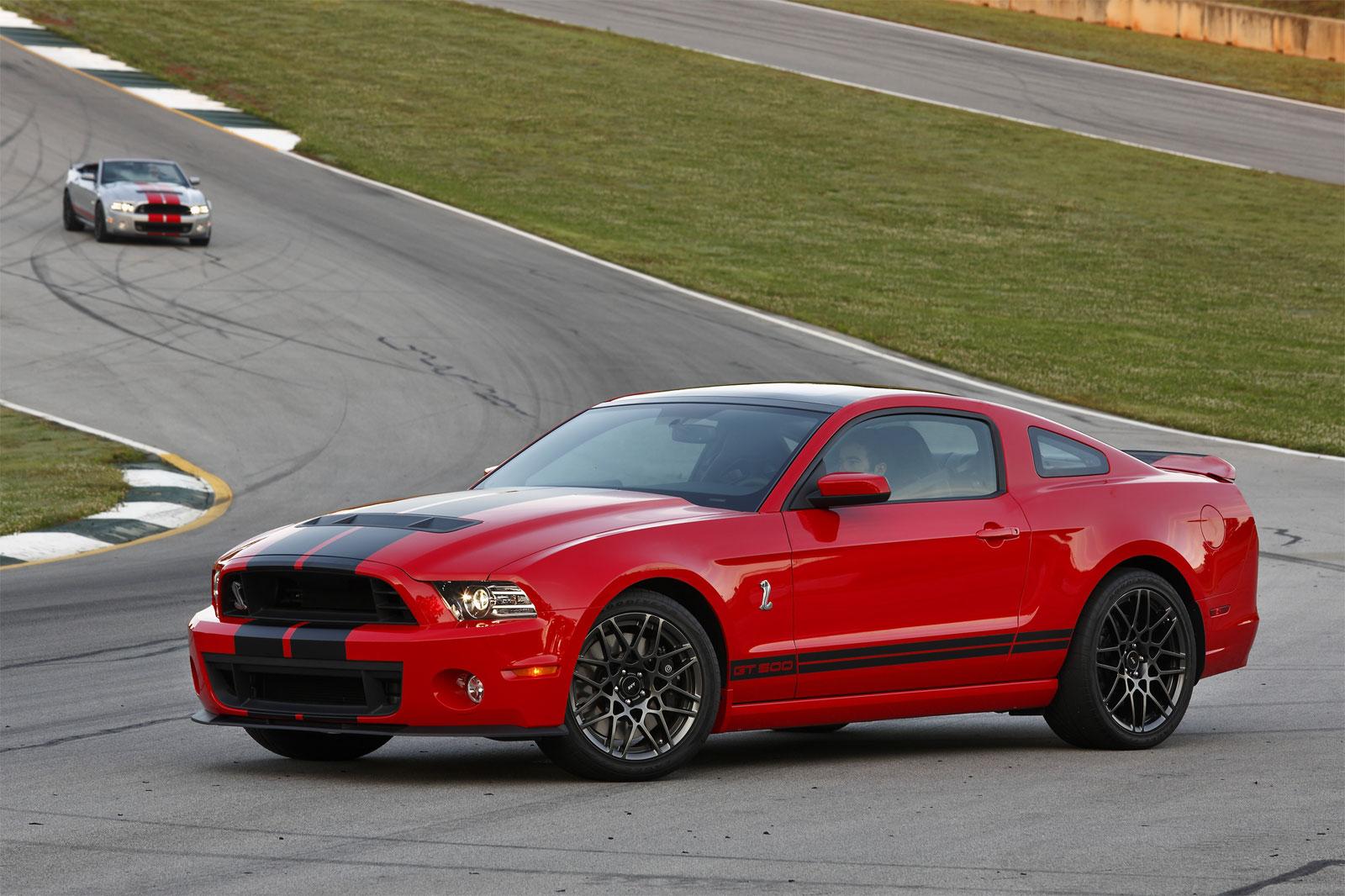 http://3.bp.blogspot.com/-yuJn8BDgo5k/T-N1QFLlCAI/AAAAAAAADzY/ioQH4X_C86Y/s1600/Ford+Shelby+GT500+Hd+Wallpapers+2013_2.jpg
