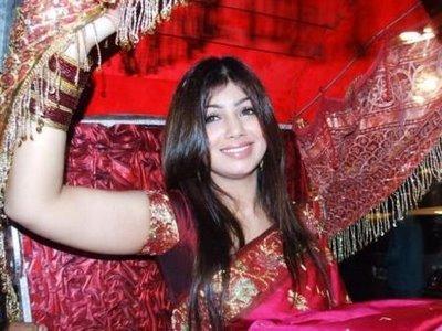 Shaadi Wallpapers Ayesha Takia Wedding Hot Pics
