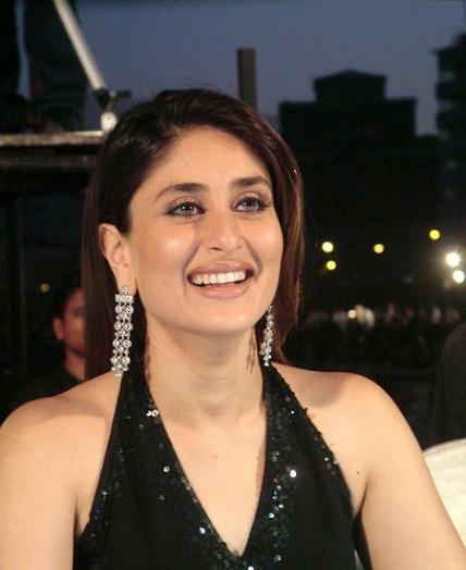 http://3.bp.blogspot.com/-yuL7mNAkI7o/Tdv2-eBcRvI/AAAAAAAAOjE/HSkuwK165HA/s1600/Hot-kareena-kapoor-Actress-Photos-wallpapers-11.jpg