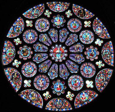 Rosácea de Chartres, França