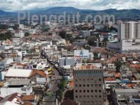 Kota Bandung, salah satu wilayah yang terletak di dataran tinggi
