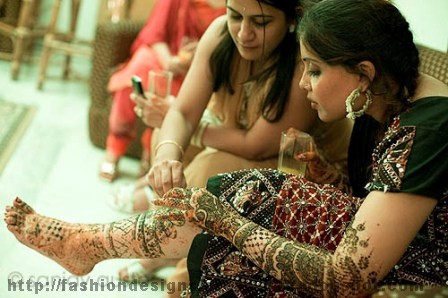 Mehndi-Dresses-and-Design