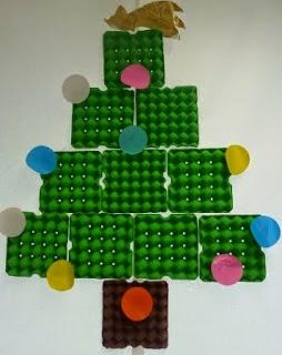 10 Idées de Sapins de Noël Recyclés avec des Boîtes d'Oeufs