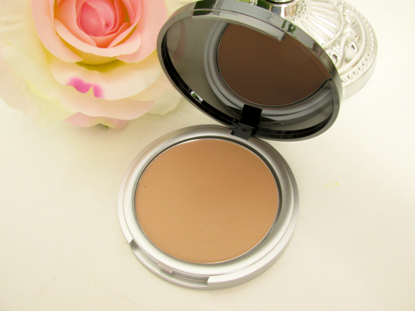 p2 Here I am - Color Control Compact Cream - 020 Tanned Nahaufnahme