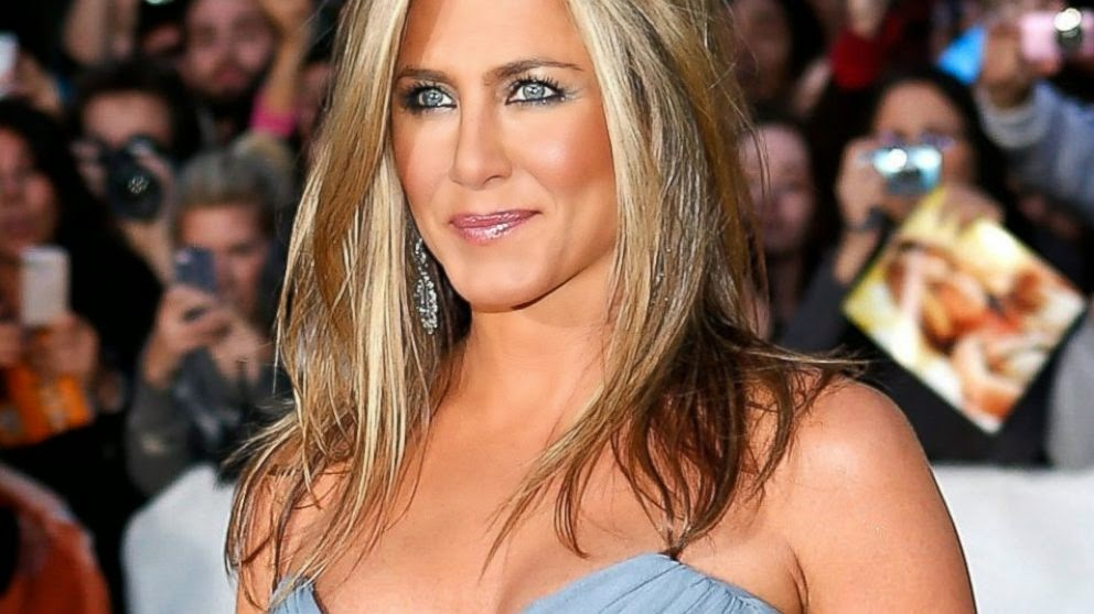 Jennifer Aniston linda e sem namorado - culpa do genes?