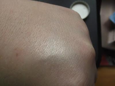 Highlighter for Pale Skin