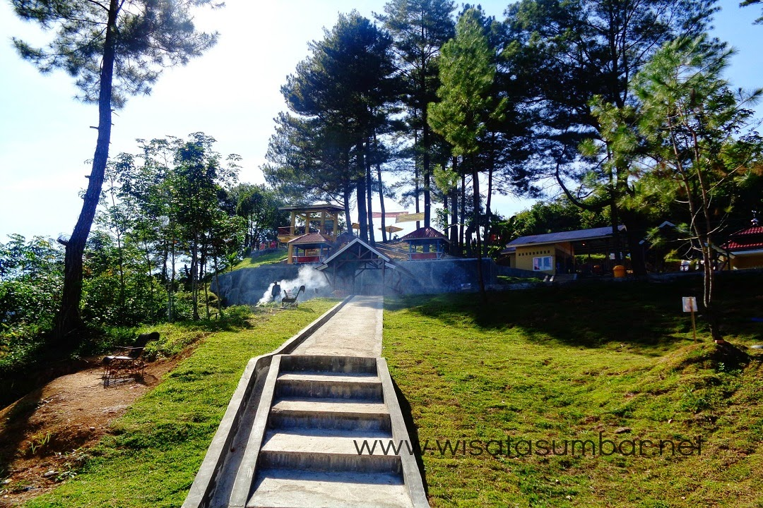 Puncak Cemara, Lokasi Wisata Pas Untuk Keluarga