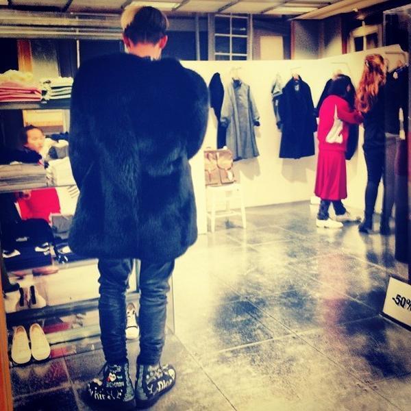 G-Dragon shopping in London 130119