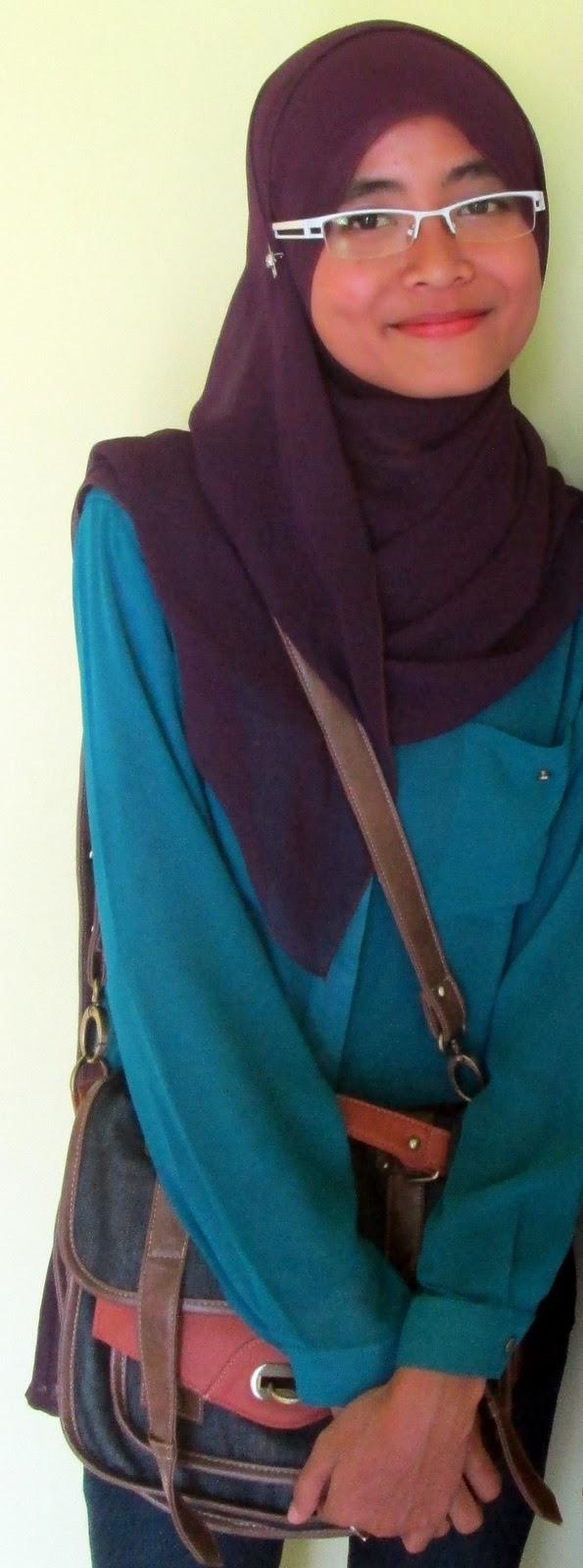 Restiana Marda Teresia Tips Hijab Untuk Wanita Berkaca Mata