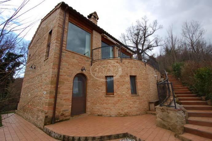 casa colonica monofamiliare a Sarnano