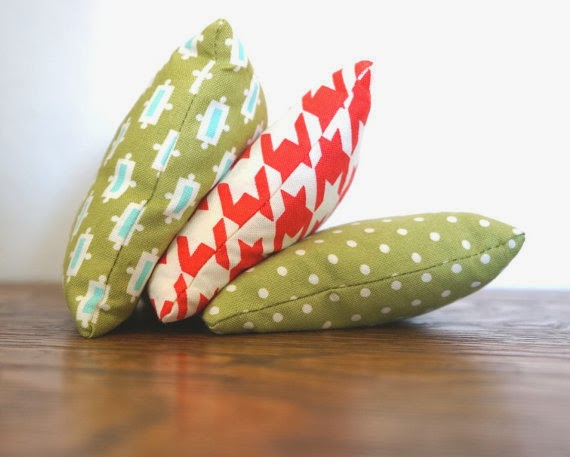 https://www.etsy.com/listing/175976372/beanbag-set-geometric-dots-3-birthday?ref=pg_view_15