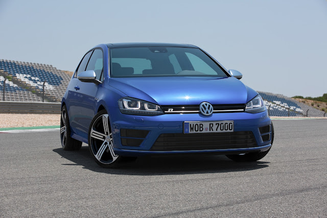 [Updated] Volkswagen Golf R: VW Ups the Ante with Their Newest Hot Hatch [Now with More Photos]