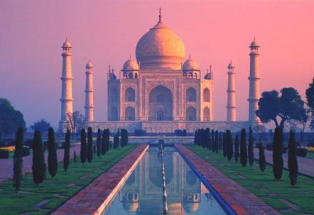 Artists make folding Taj Mahal