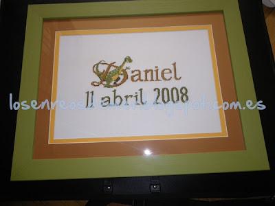 Nombre Daniel realizado a punto de cruz