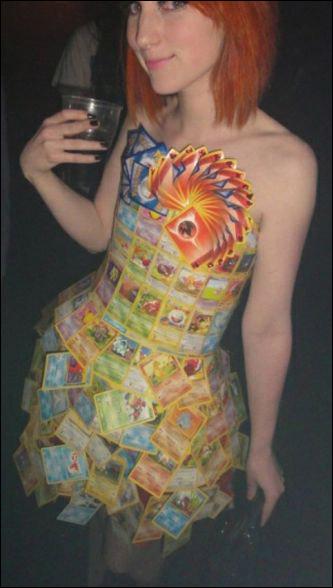 فستان من ورق كوتشينه