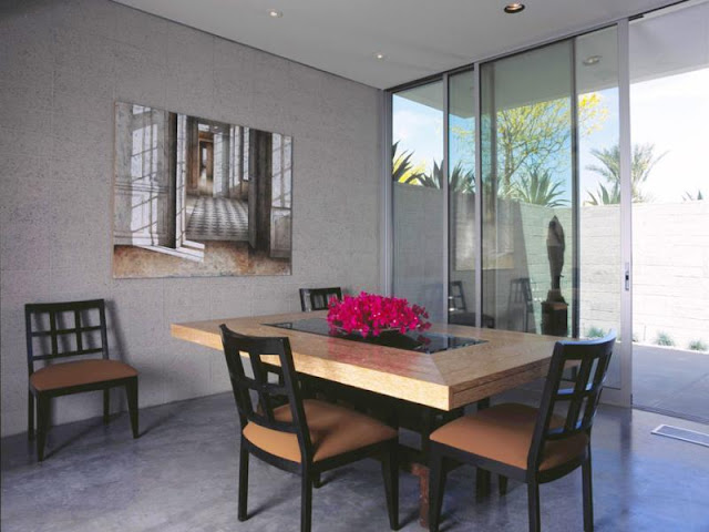 Photo of dinning room with dinning table