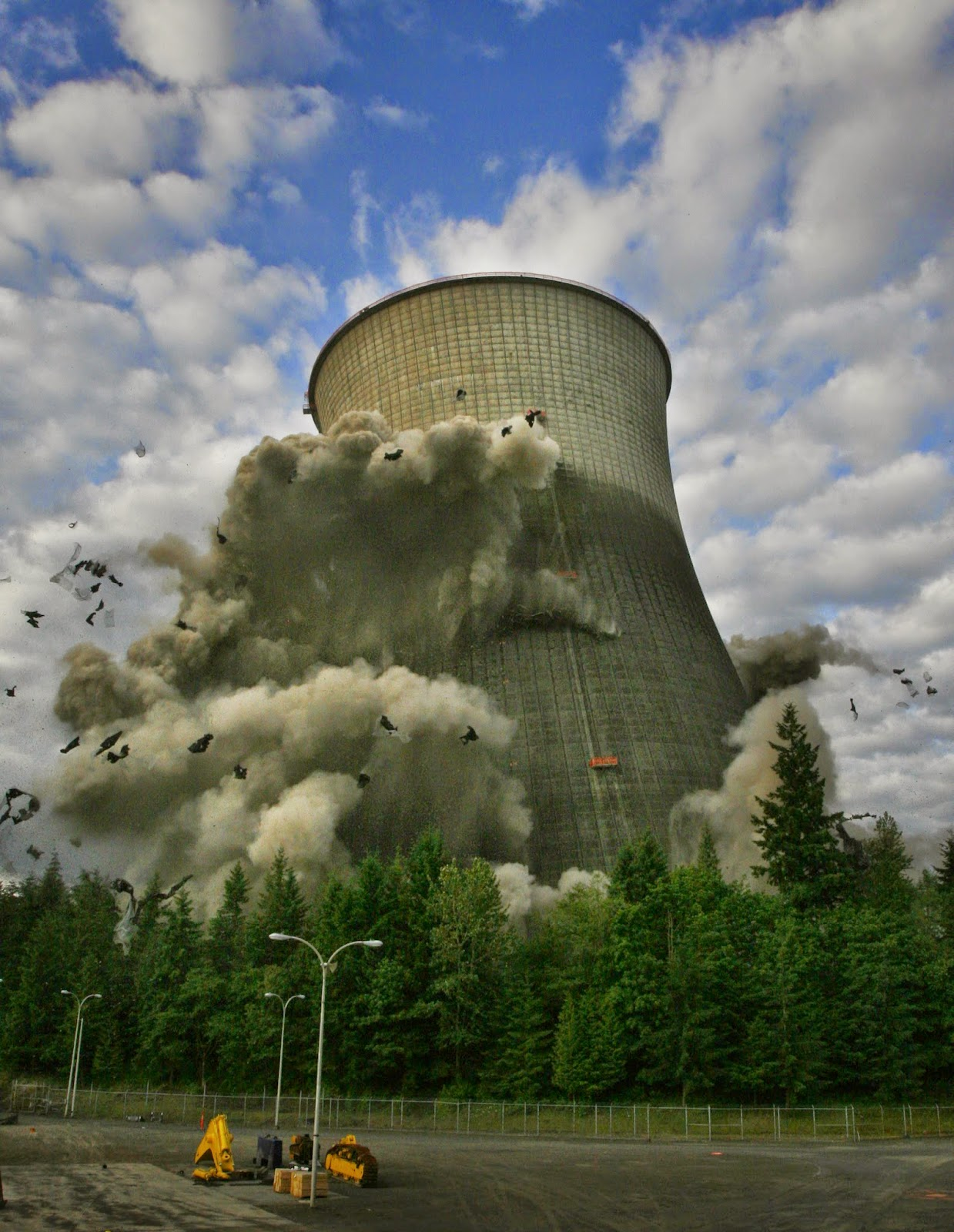 is it time to revive nuclear power essay Britain and us revive nuclear energy policy  intends to follow the us government in authorising a new generation of nuclear power stations  google is blocking the world socialist web site.