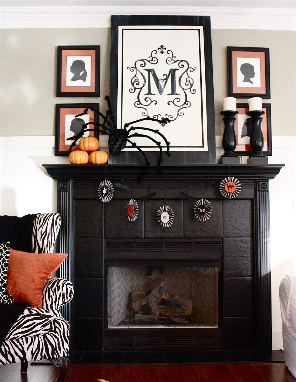 halloween mantel mantlethe livable version - Halloween Mantle