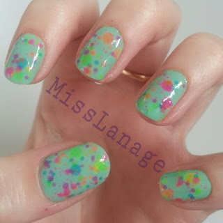lush-lacquer-clowning-around-mint-green-manicure