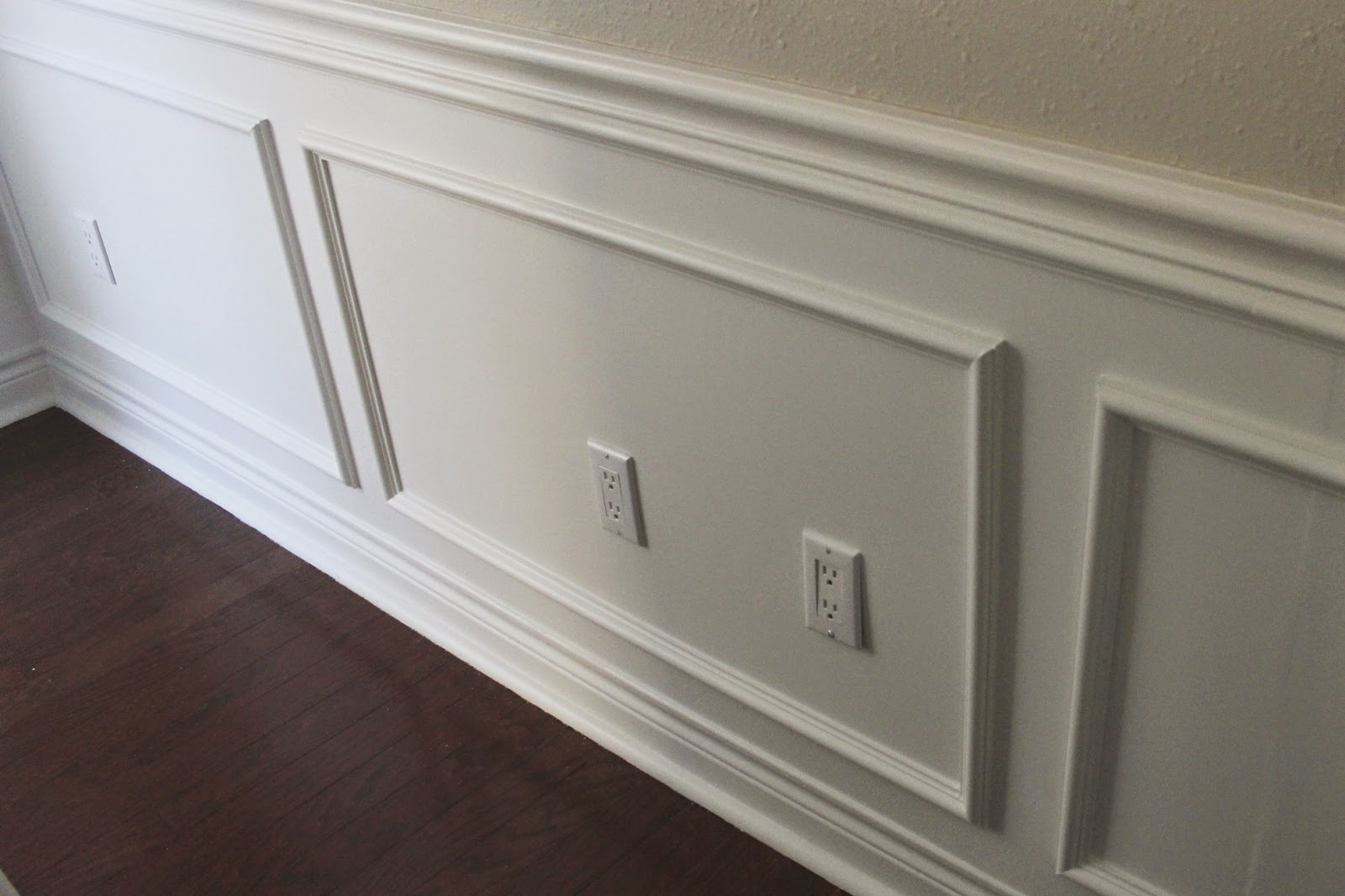 Superior Caulking A Chair Rail Part - 14: Under The Chair Rail I Added More Molding To Cover Uneven Gaping. Caulk Is  Your Best Friend When You Do Woodworking Or At Least For Beginners Like Us.