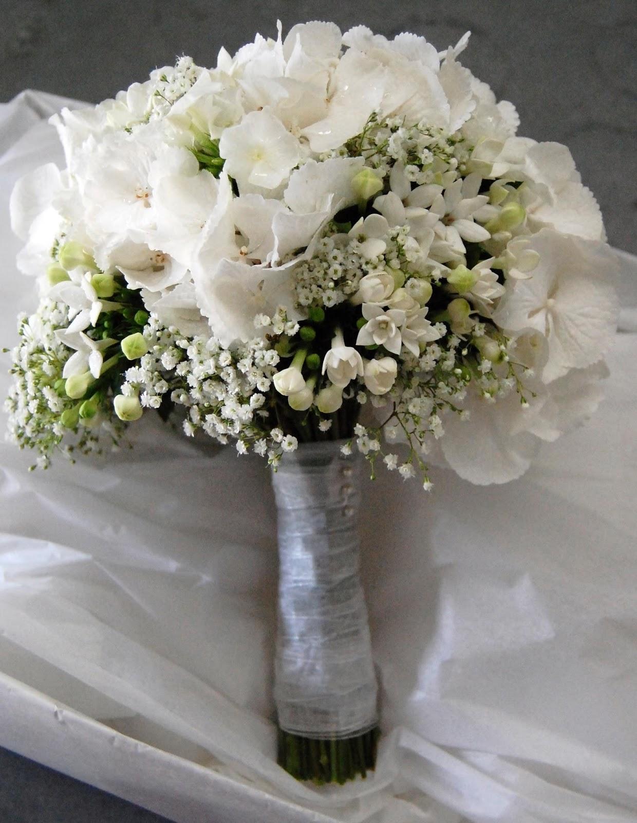 Mood Flowers White Wedding