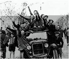 DONNE DI BARCELLONA ESULTANO PER L'ENTRATA NAZIONALISTE IN CITTA'