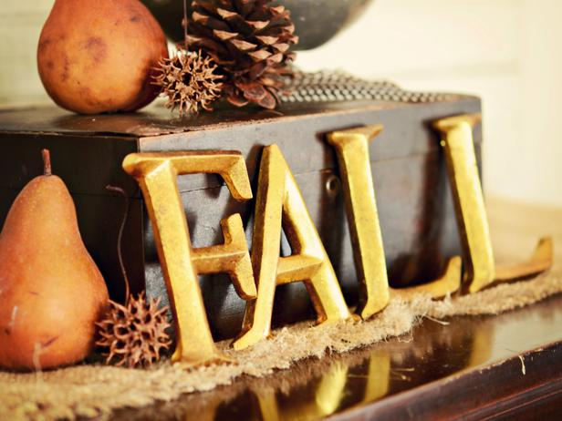 Welcoming Fall Entryway 2012 Ideas from HGTV ~ Decorating Idea