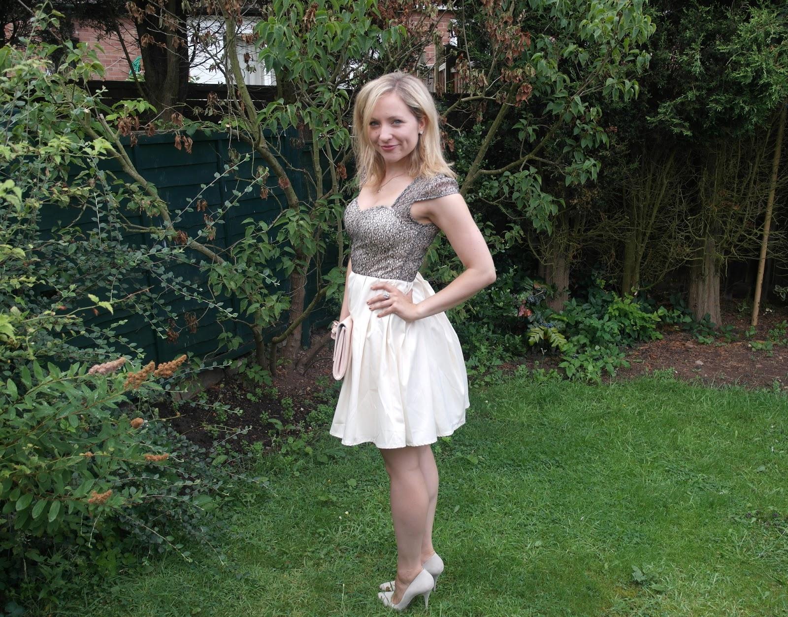 Dress modesta