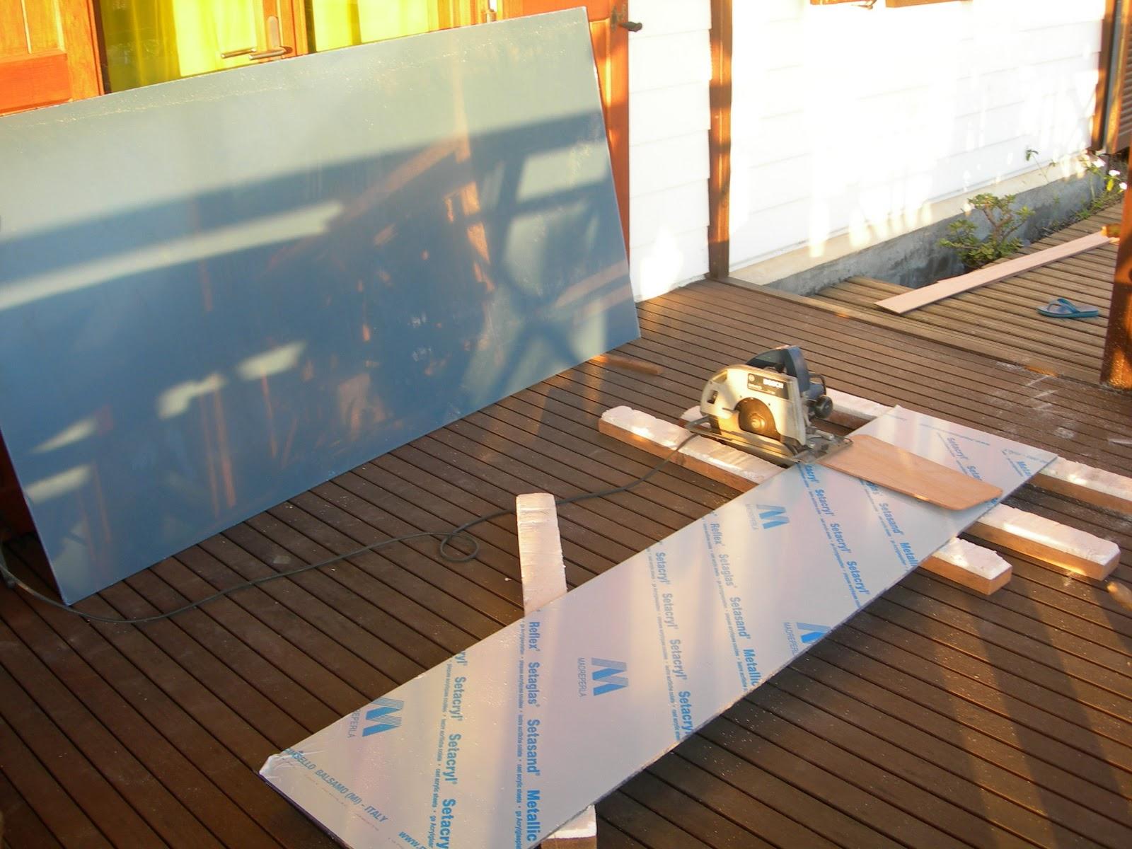 Tiki26 georges - Couper du plexiglas ...