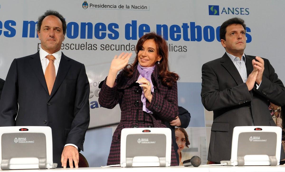 http://3.bp.blogspot.com/-yxDU8G5_7Ro/UDKv0YVZprI/AAAAAAAAI9o/oBEOkh_b8Y8/s0/Cristina_en_Tigre_con_Scioli_y_Mazza.jpg
