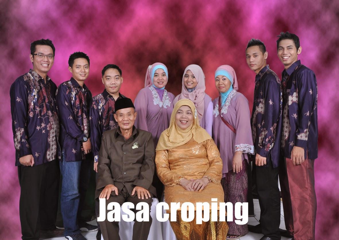 Jasa Cropping Foto Keluarga
