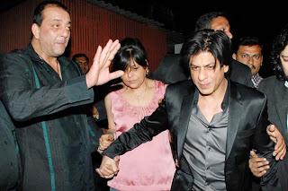 Shahrukh-Khan-beating-Farah-Khan-husband-Shirish-Kunder