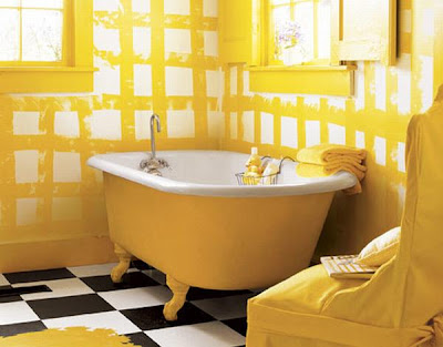 yellow clawfoot tub, yellow bathroom decor, yellow wallpaper