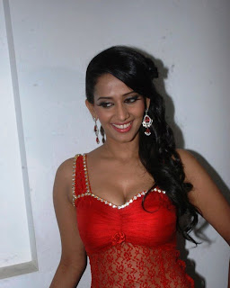 Sanjana Singh Hot Cleavage