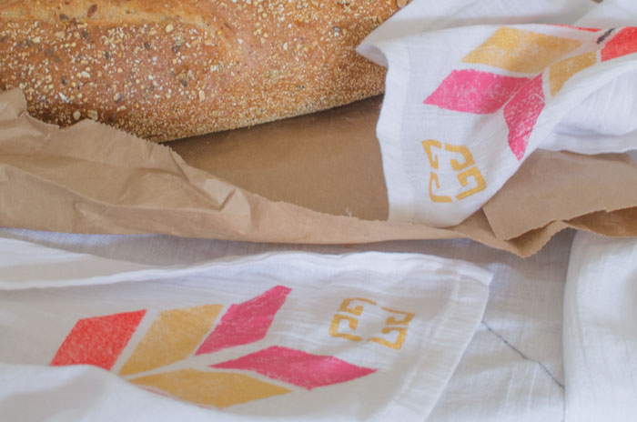 fresh bread as gifts